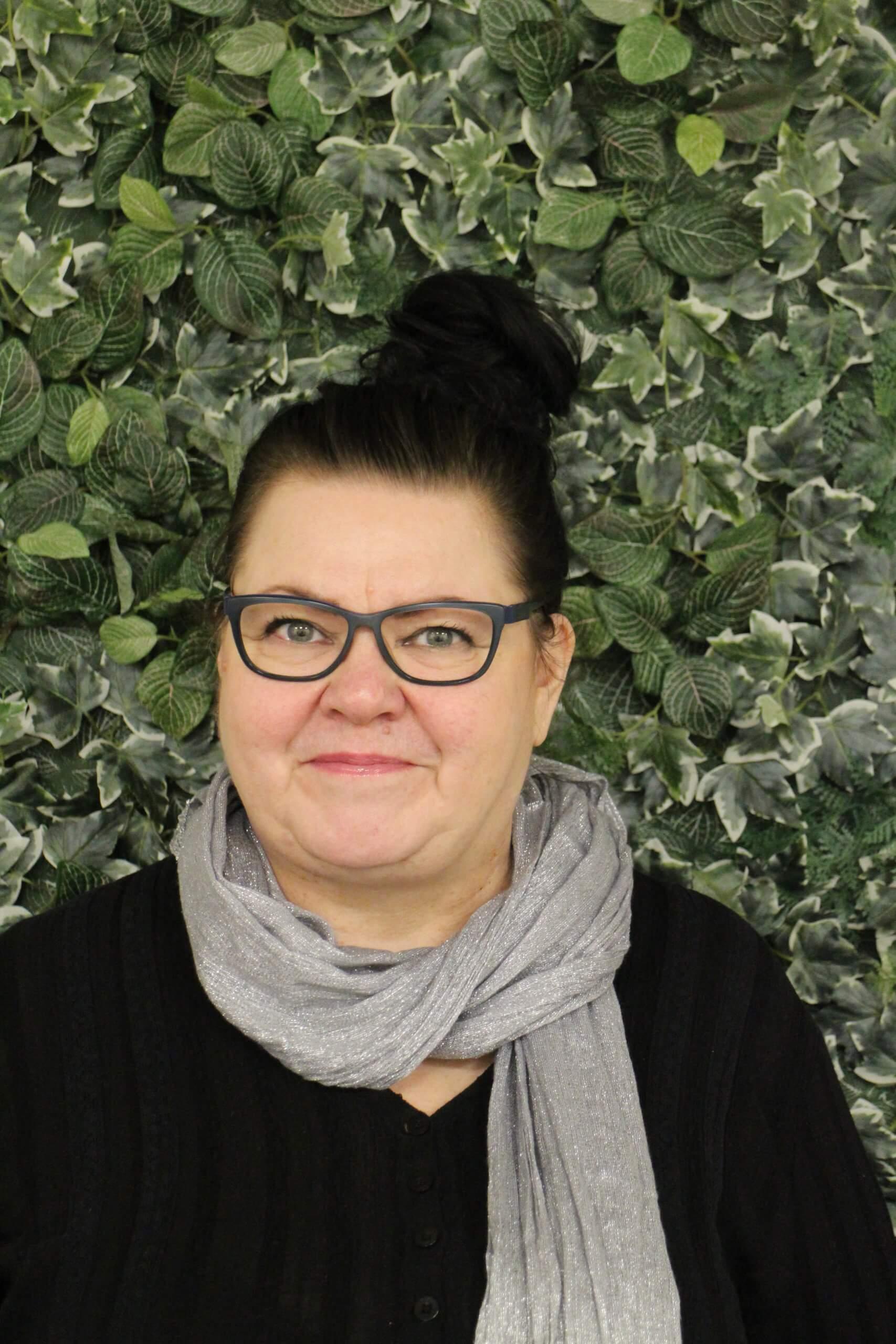 Katja Igbineweka, vastaava hoitaja